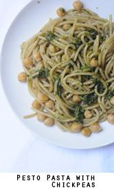 pesto pasta with zucchini and chickpeas
